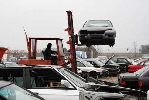 Tow Truck Mississauga - Auto Wrecking